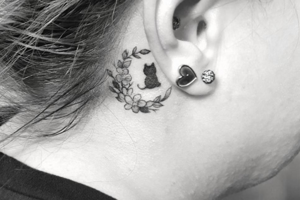 21 insanely creative behind the ear tattoos stuff we love tlc com